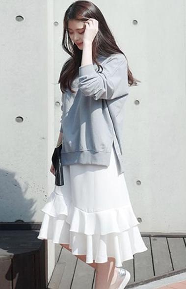 小白裙配什么上衣 这几个颜色款式不会错