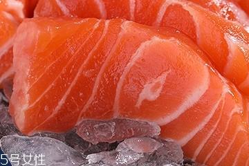 三文鱼皮怎么吃 吃三文鱼一定要get的技能