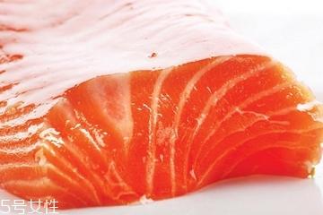 三文鱼减肥吗 卡路里低的美味