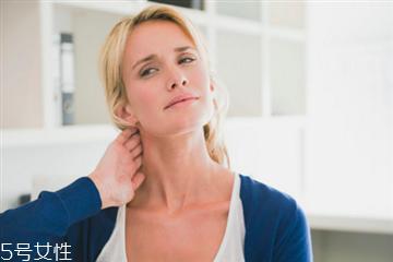 颈膜多久用一次最好 日常习惯预防颈纹