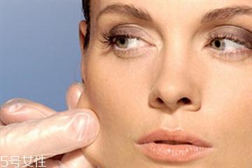 皮肤松弛是什么原因 提拉紧致皮肤的方法
