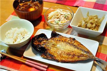一夜干鱼是什么意思 日本料理一夜干的做法