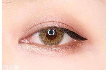 眼线笔什么颜色自然 这个颜色最自然