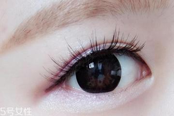假睫毛塑料梗适合单眼皮吗 放大双眼不是梦