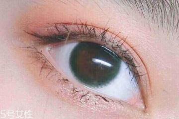 美瞳含水量高好还是低好 适中是最优选