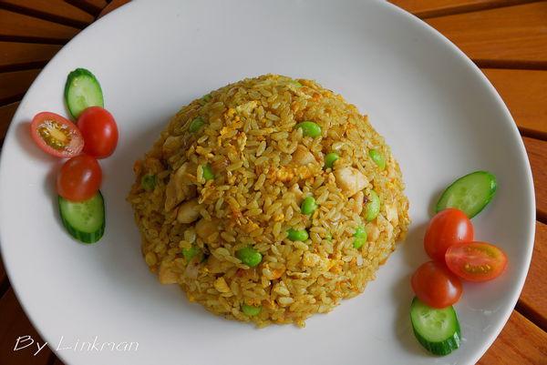咖喱鸡丁炒饭的做法 剩饭的好去处