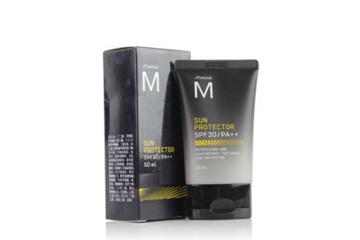 男士防晒霜的使用顺序 男士防晒霜也需要卸妆