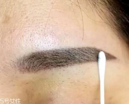 纹眉一高一低能补救吗 可以进行修补