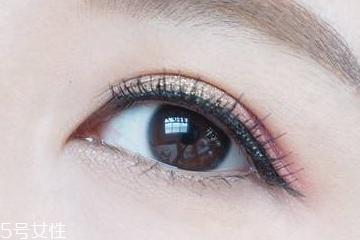 戴美瞳怎么选眼线液颜色 这样选不跳脱