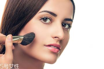 开眼角后多久可以化妆 需要一段时间