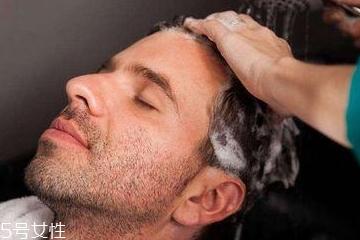 防脱洗发水什么原理 腺苷能帮助头发生长