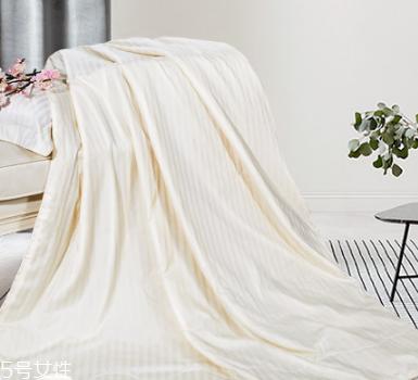 蠶絲被可以用電熱毯嗎 不能長時間加熱