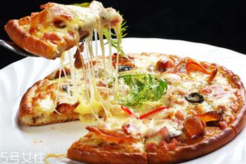 做披萨没有奶酪怎么办 做披萨没有奶酪用这个代替