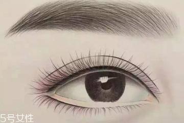 半永久美瞳线发炎怎么办 眼膏和眼药水备在身边
