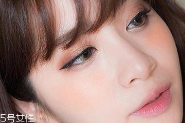 眼妆与唇妆怎么搭配 妆感和谐的秘密