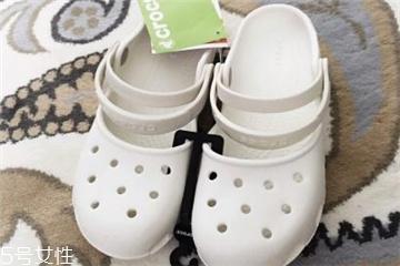crocs鞋子一双多少钱 夏天必备凉鞋