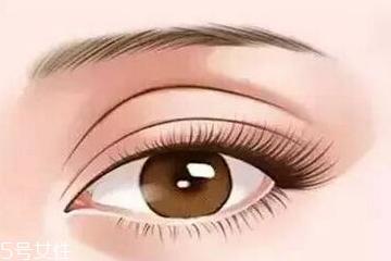 凹眼窝适合什么眼影 珠光眼影提亮眼窝