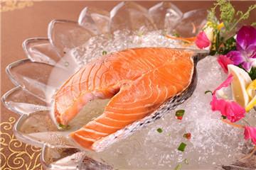 养殖三文鱼和野生三文鱼 常吃的鲑鱼是哪种