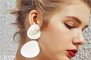 今年流行什么耳环 成就不一样的你