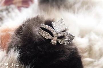 求婚戒指买一个还是一对 原来这么多讲究