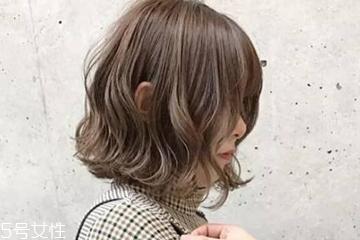 线条烫是什么发型 线条烫适合什么妆容