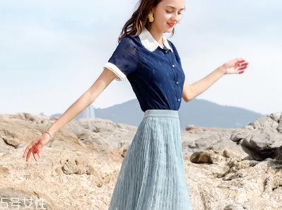夏天穿什么颜色的百褶裙好看,这三件都值得拥有
