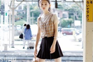 夏天女孩穿什么好看,穿什么要仔细学