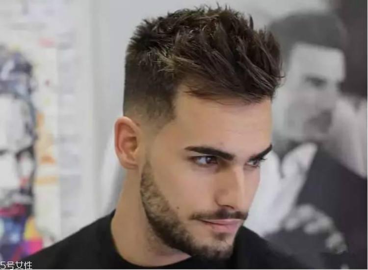 男生什么发型显成熟 三面光清爽又帅气