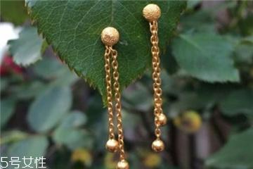 金耳环多少钱一对每天金价不一样