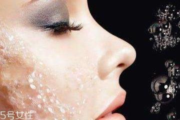 混合性皮肤用什么去角质产品 t区和两颊要分开