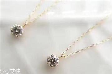 钻石项链可以带着洗澡吗 不利于保养