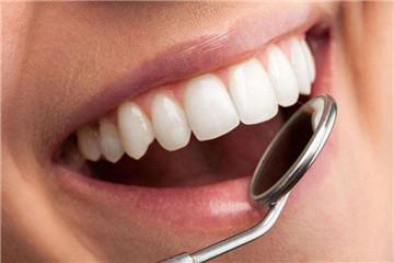 柠檬汁可以美白牙齿吗 美白牙齿这样做