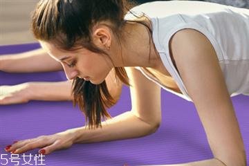 平板支撑可以练腹肌吗 完美腹肌训练的3大要点