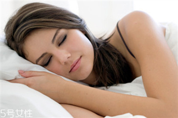 睡觉突然抖一下惊醒怎么办 是这些因素