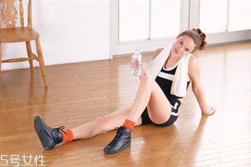 深蹲大腿酸痛怎么恢复 做完深蹲大腿酸痛这样做