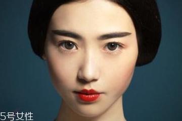 韩式一字眉毛的画法 你也可以如此性感