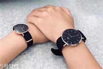 dw手表为什么d是反的 打破常规设计