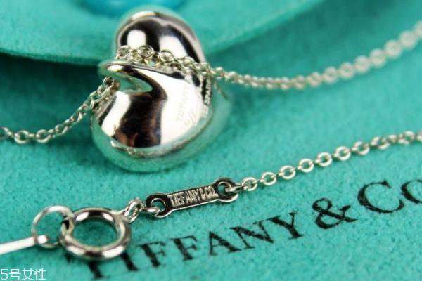 tiffany蒂芙尼项链是什么材质 有多种选择