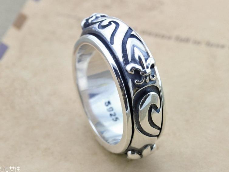 纯银戒指大概多少钱 价格很优惠