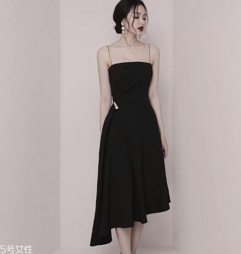 黑色礼服裙搭配图片 宴会女王必备款