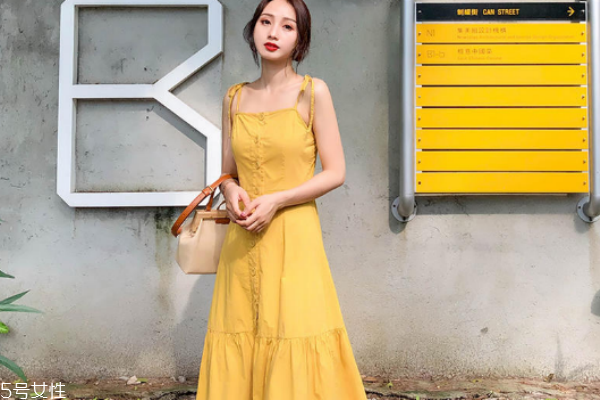 胯大的女生适合穿什么裙子 中长裙最合适