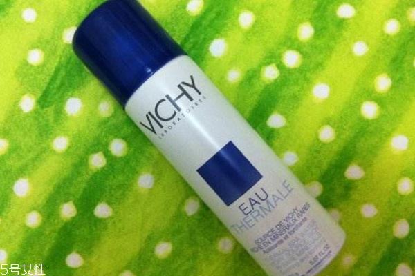 夏天怎么用保湿喷雾 3个用法为肌肤吹空调