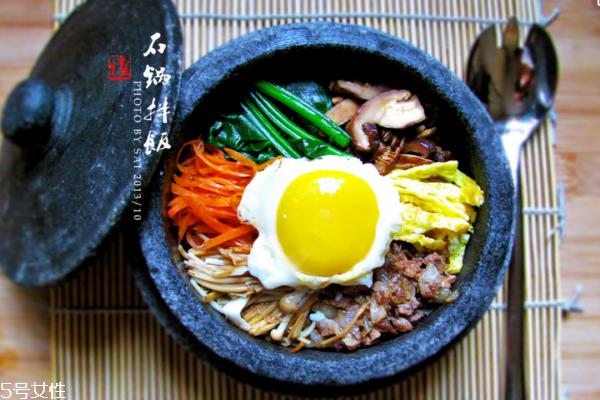石锅拌饭的酱是什么酱 韩国辣椒酱