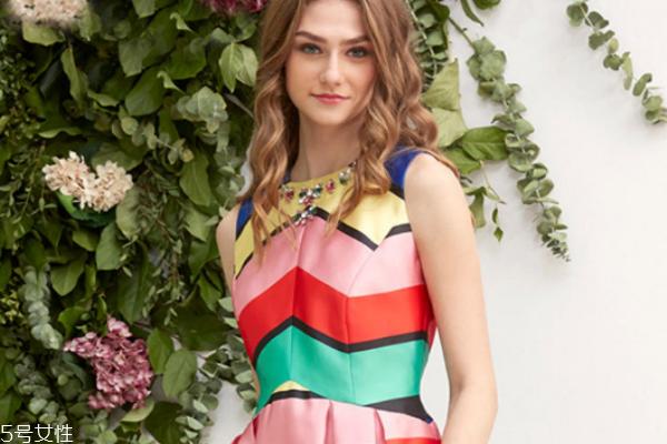 今年流行什么款式的连衣裙 穿出夏日小清新