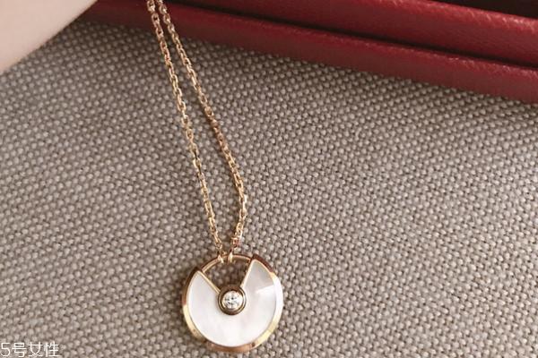 卡地亚项链是什么材质 多种材质可以选择