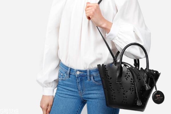 小ck和zara的包哪个好 快时尚品牌的对比