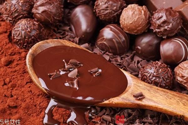 巧克力好坏怎么看 好巧克力掰开有咔嚓声