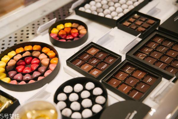巧克力原料是什么 白巧克力中不含可可粉