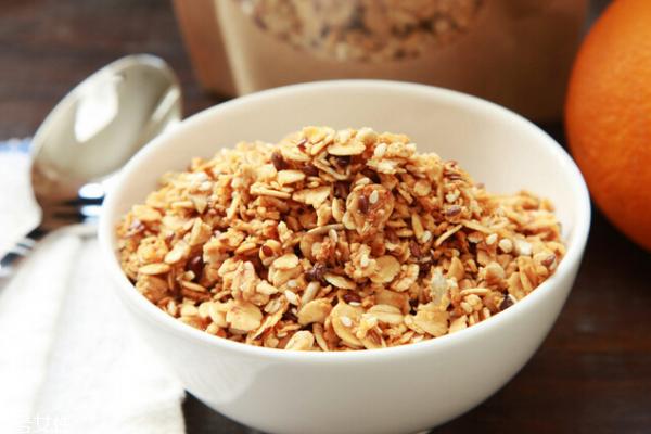 燕麦是碳水化合物吗 含有碳水化合物