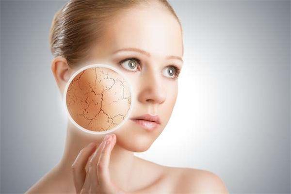 洗完脸多久用护肤品 冬天护肤8大问题